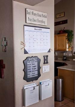 Não é somente os objetos que precisam ficar organizados, uma dica é fazer os mais diversos tipos de calendários e lembretes (Foto: Br.Pinterest.com)