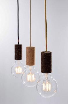 Também é possível utilizar a cortiça para fazer luminárias (Foto: br.pinterest.com.br)