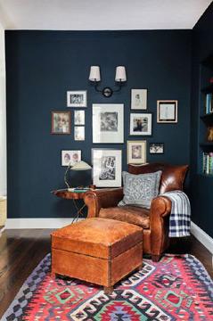 O azul-marinho pode ser combinado com os mais diversos estilos (Foto: Pinterest)