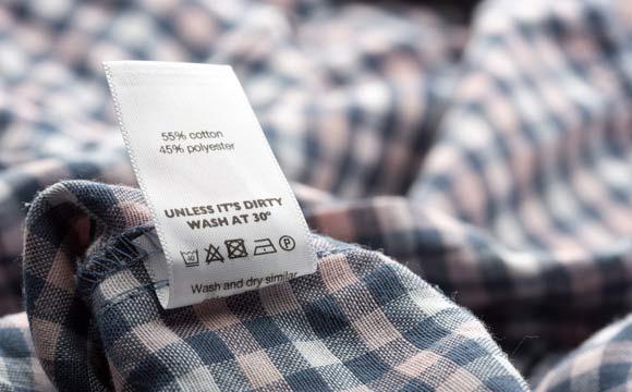 Preste atenção nas etiquetas das peças (Foto: Shutterstock)