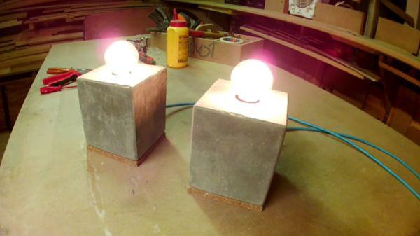 Luminária de concreto substitui materiais tradicionais na decoração de interior