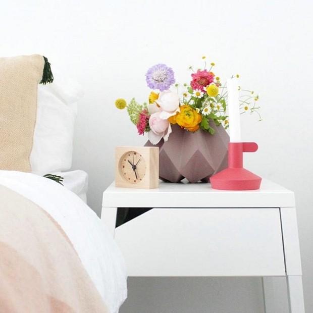A blogueira monta seus próprios arranjos e afirma que a tarefa não exige técnica. Basta apostar em cores e tamanhos diferentes de flores (Foto Reprodução/Instagram)