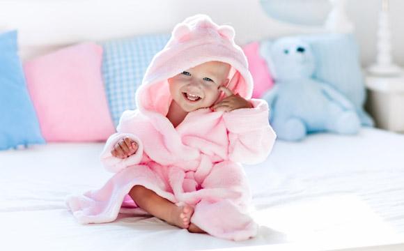 Na hora de guardar as toalhas, é importante levar em consideração a rotina da casa (Foto: Shutterstock)
