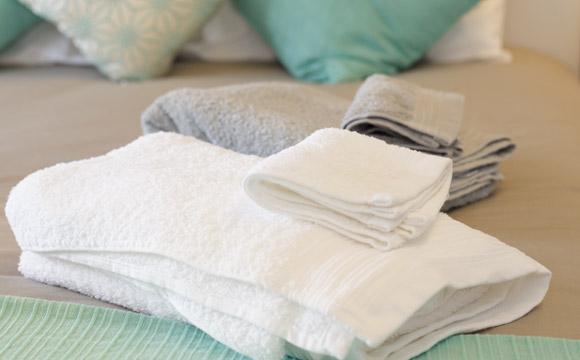 A forma de lavar é fundamental para garantir maior durabilidade das toalhas (Foto: Shutterstock)